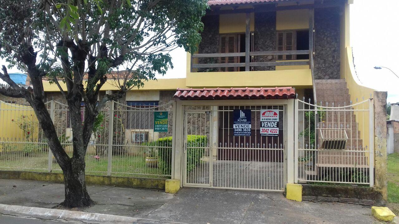 Casa 03 Dormitórios para Venda