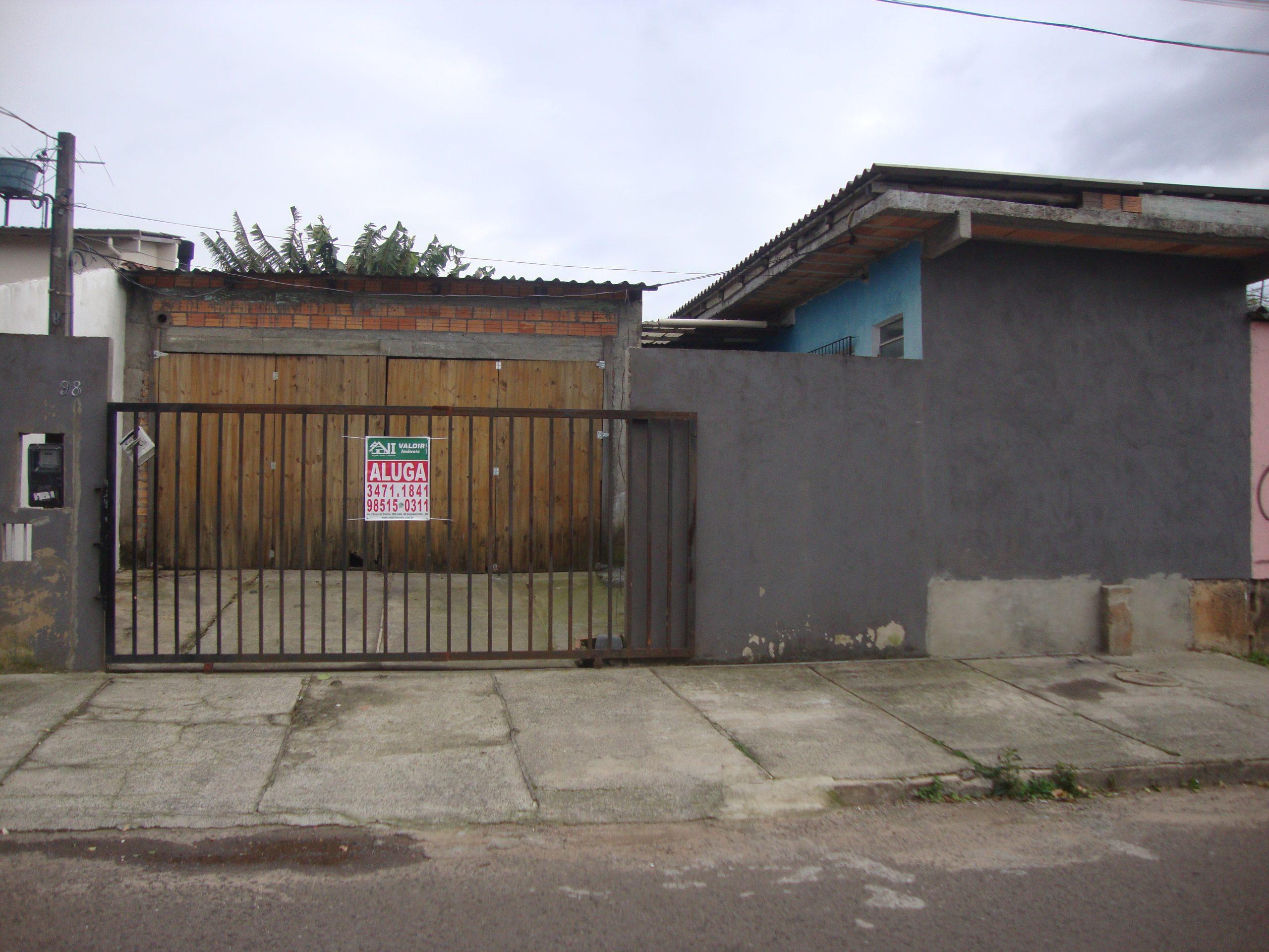 Casa 01 Dormitório para Aluguel